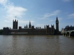 Parlament in Big Ben z druge strani Temze